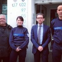 Au poste de police de Ploemeur, nous accueillons deux nouveaux policiers municipaux