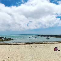 Avant l'affluence estivale, plaisir d'avoir la plage pour soi