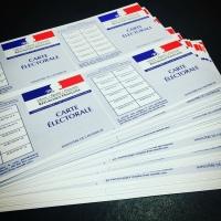 Citoyenneté. Signature des nouvelles cartes d'électeurs